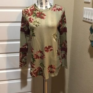 T-shirt with floral design